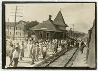 Crowds at Dayton train station
