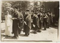 Faculty and students at Bryan College's first commencement