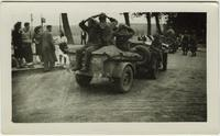 Three German prisoners are taken